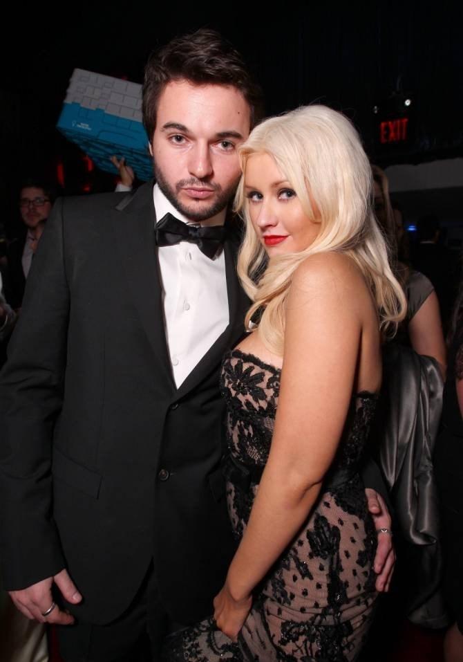 Christina aguilera dating website