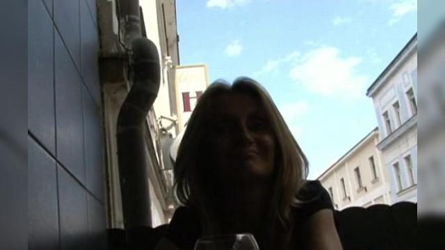 Голые пьяные бабы на улице