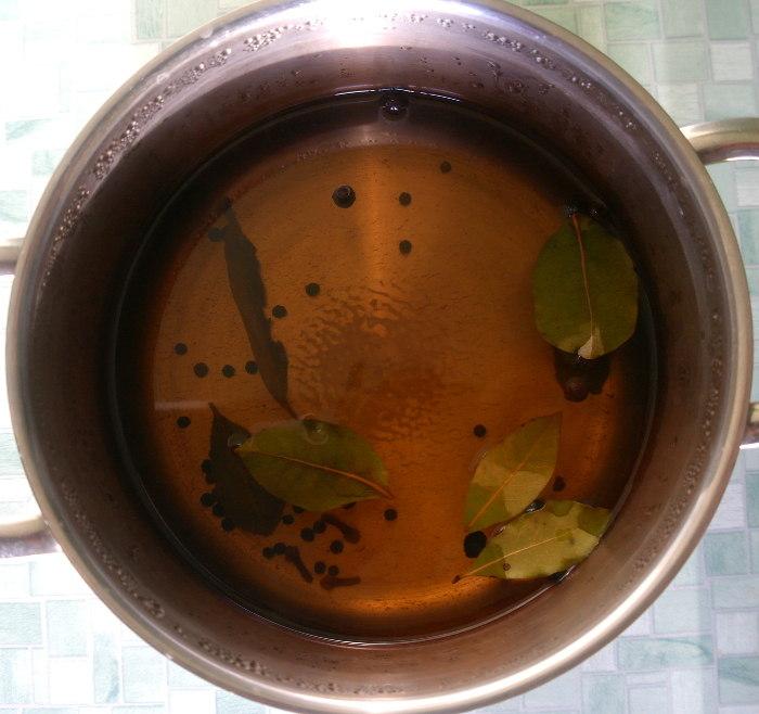 Как вкусно и правильно засолить селёдку