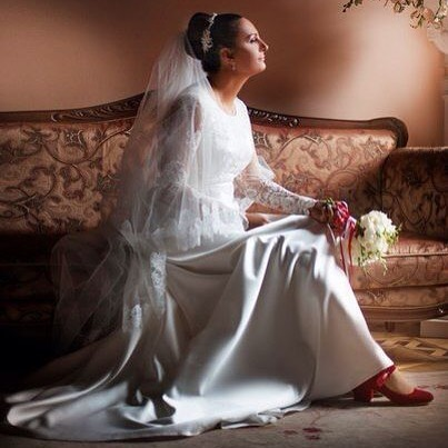 Елена Ваенга поделилась фотографиями со своей пышной свадьбы