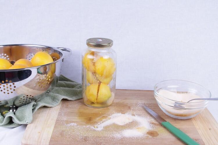 Солёные лимоны