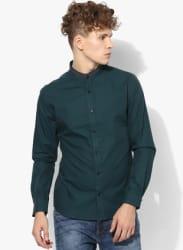 Dark Green Solid Slim Fit Casual Shirt