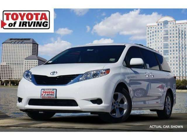 Lease a 2014 Toyota Sienna in Irving, TX