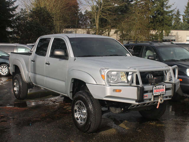 Lifted Trucks for Sale near Everett at Magic Toyota
