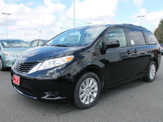 Toyota Sienna for Sale near Mount Vernon at Foothills Toyota