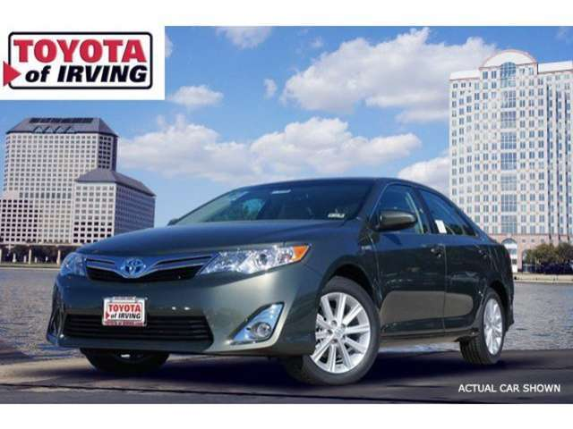 Trim Levels of the 2014 Toyota Camry Hybrid near Valley Ranch at Toyota of Irving