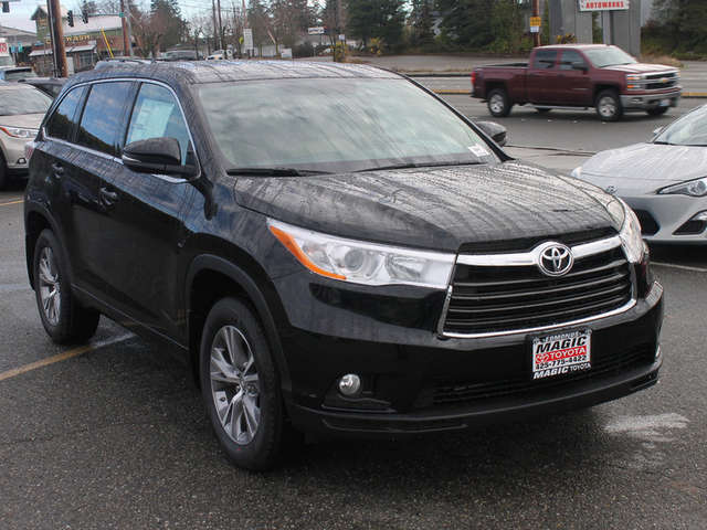 2014 Toyota Highlander Leasing near Bellevue at Magic Toyota