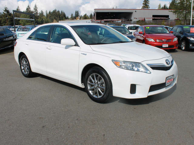 Pre-Owned Toyota Camry Hybrid for Sale near Seattle at Magic Toyota