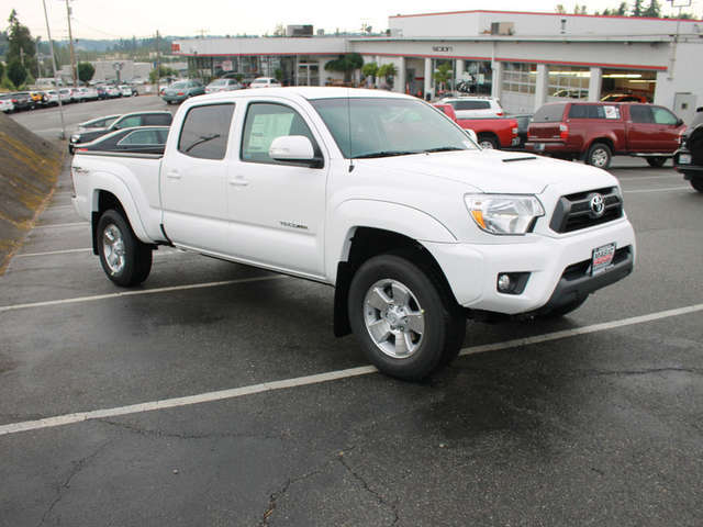 Lifted Trucks for Sale near Edmonds at Magic Toyota