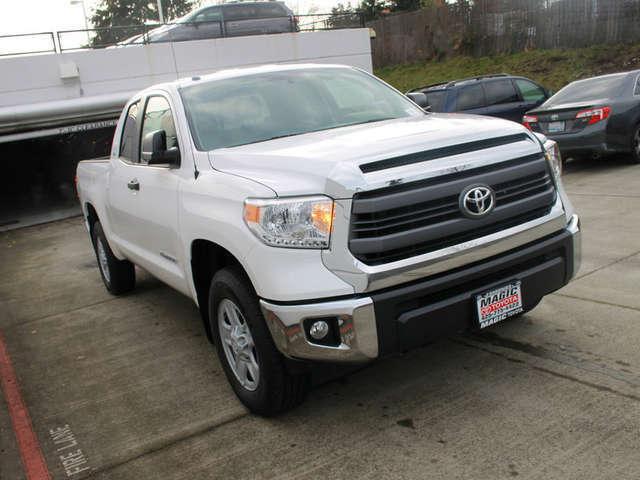 Finance a 2015 Toyota Truck near Bellevue at Magic Toyota