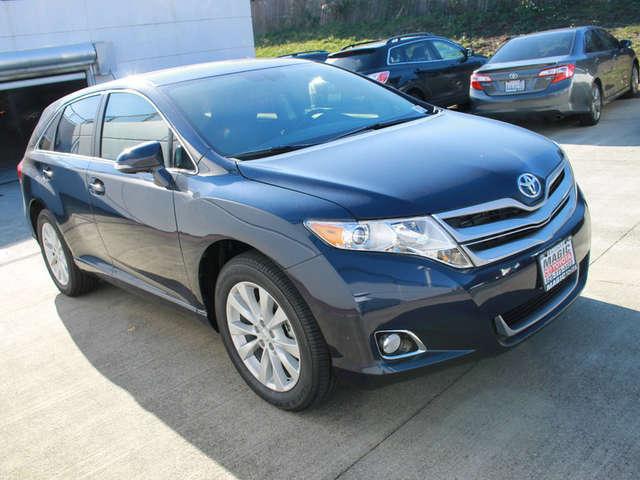 Finance a 2015 Toyota Venza near Bellevue at Magic Toyota