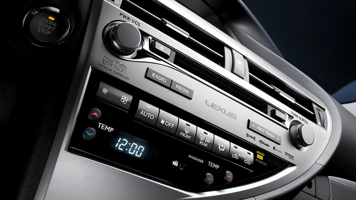 2015 Lexus RX interior stereo