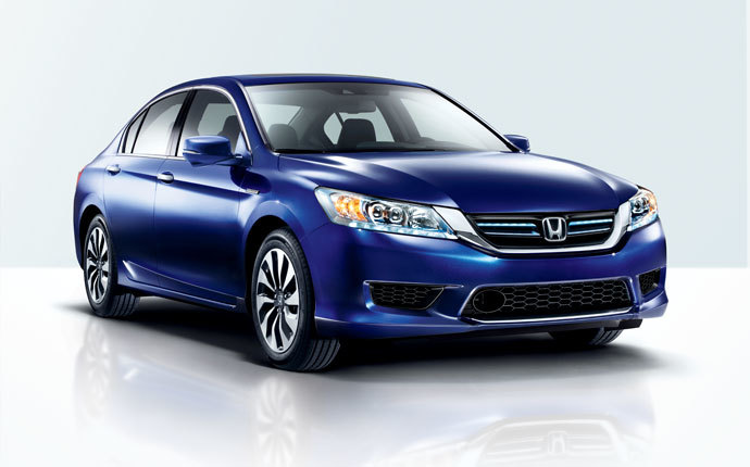 Lease a 2015 Honda Accord Hybrid near Kennewick at Honda of Moses Lake Washington