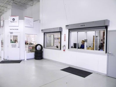 Crown Toyota Lawrence Service/Parts Lane