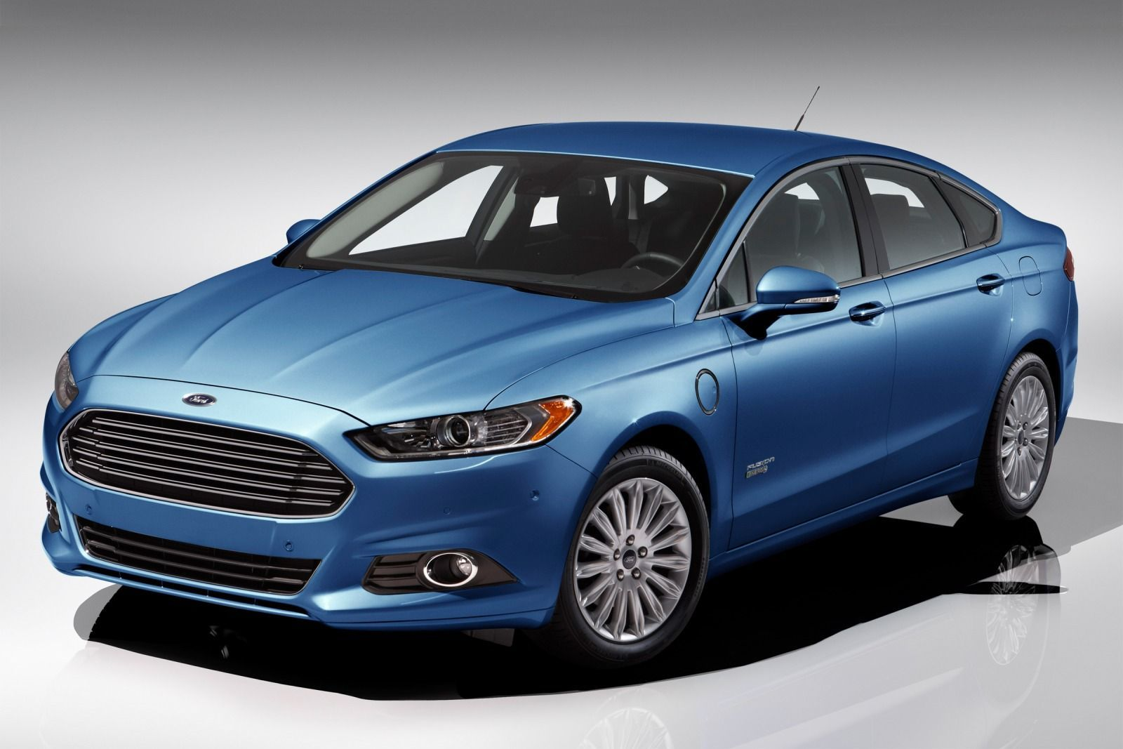 2016 Ford Fusion Energi for Sale in Ontario at Gentry Ford - Ontario