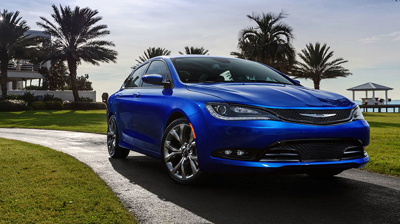 2015 Chrysler 200 near Knoxville at Farris Motor Company