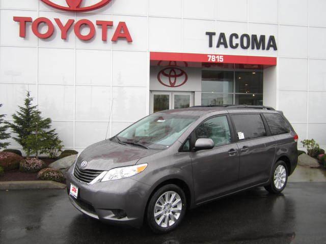 2014 Toyota Sienna for Sale near Auburn