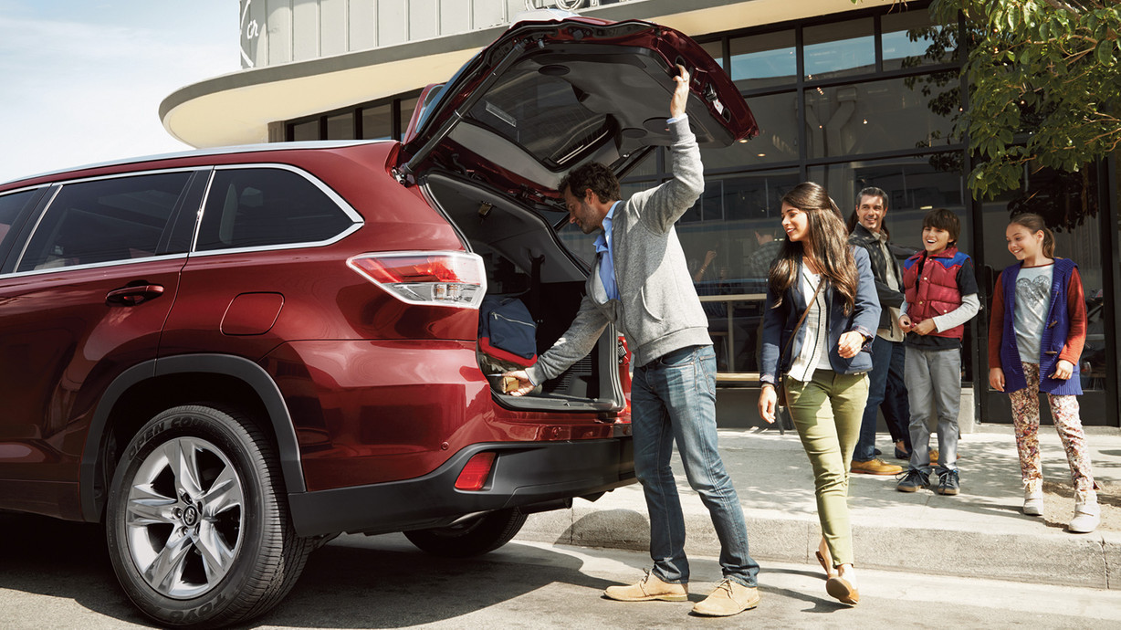 2016 Toyota Highlander for Sale near Puyallup at Toyota of Tacoma