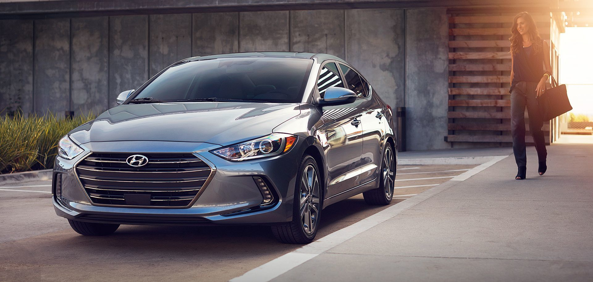 2017 hyundai elantra limited for sale near bowie md pohanka hyundai of capitol heights. Black Bedroom Furniture Sets. Home Design Ideas