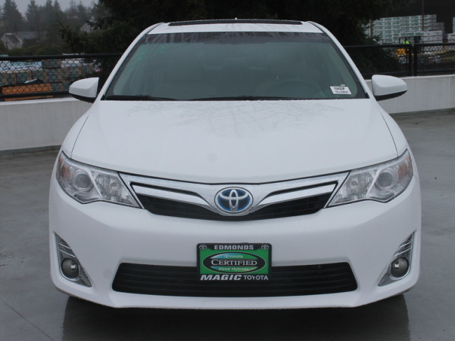 Used Toyota Camry Hybrid for Sale near Lynnwood at Magic Toyota