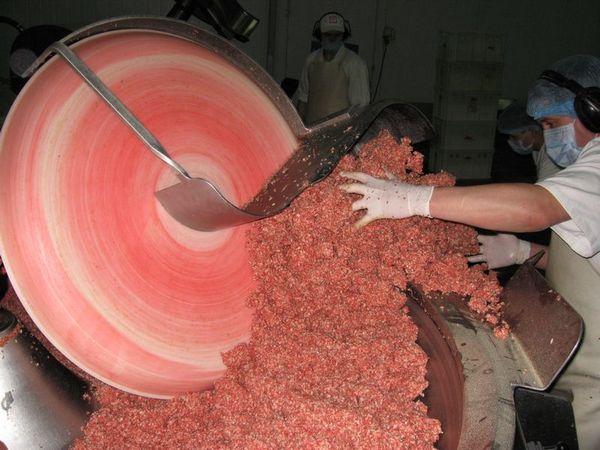 Как делают копченую колбасу