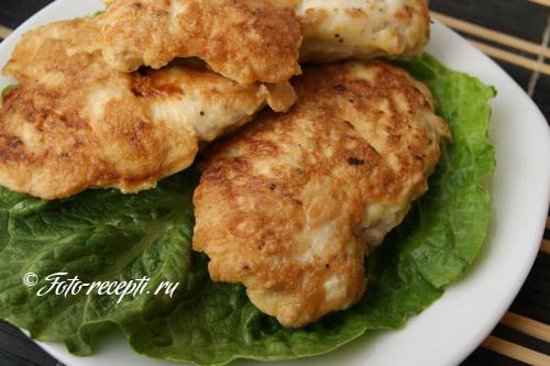 Рецепт куриной грудки в панировочных сухарях на сковороде