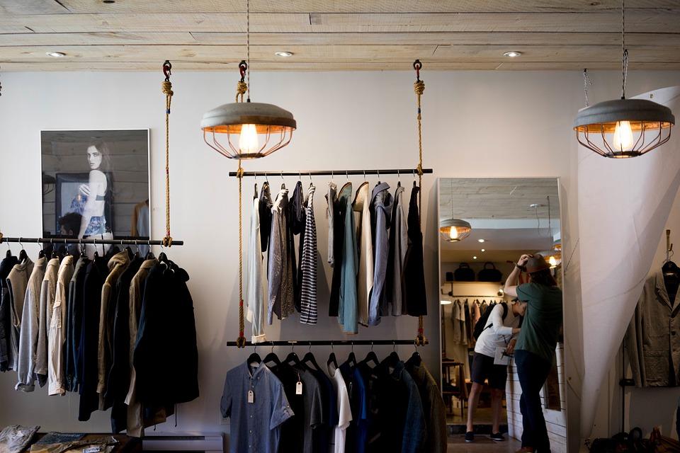 Особенности покупки магазина одежды