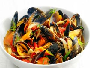 Steamed Mussels with Fennel and Tomato Recipe | Food ...