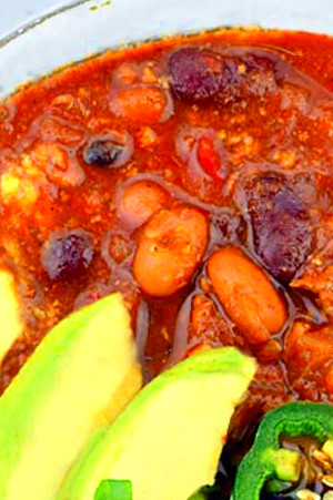 Hearty + Healthy Homemade Chili - Little Pine Low Carb