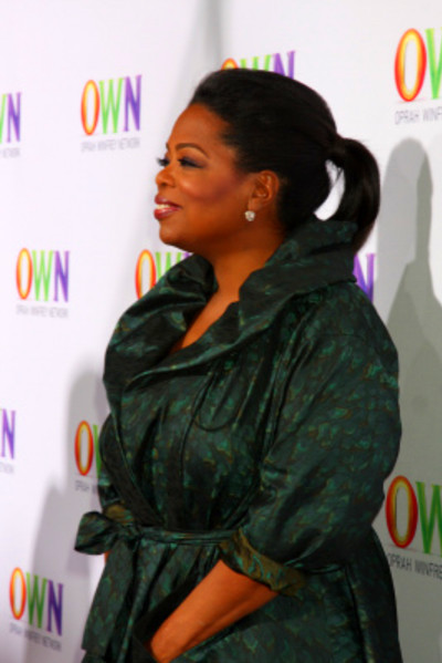 how much does oprah weigh