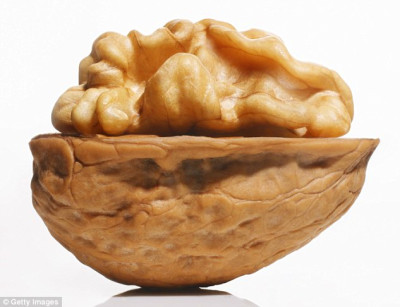 Eating walnuts every day could reduce the chance of ...