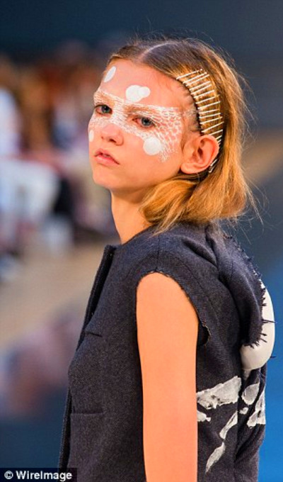 Model Molly Bair reignites row over 'anorexia chic' ahead ...