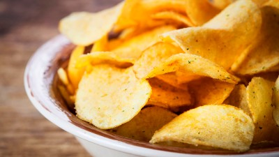 Best Quick Snacks for Diabetics: Chips and Salsa, Fruit ...