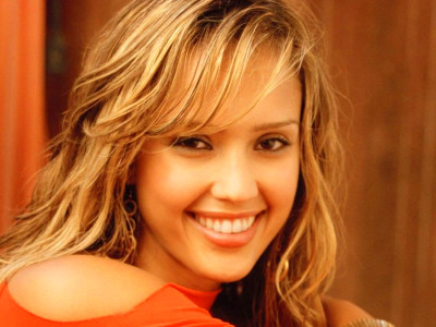 Jessica Alba - Celebrity Contests Wallpaper (28015356 ...