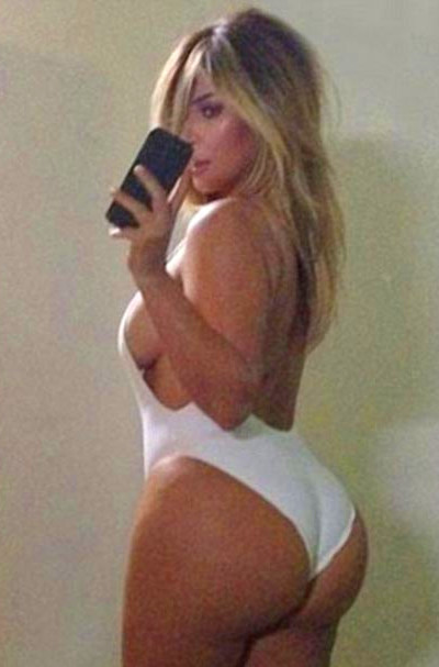 Kim Kardashian posts bootylicious selfie in swimsuit, gets ...