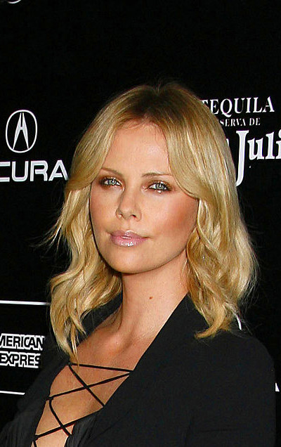 ... Charlize Theron's Birthday With Her Best Looks! | POPSUGAR Fashion