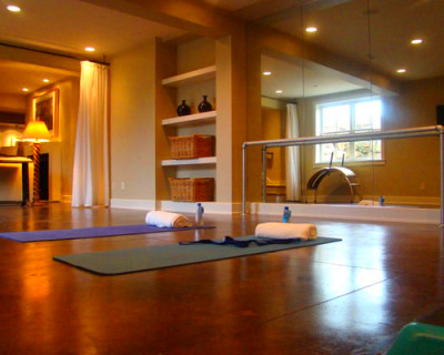 How To Turn Your Garage Space Into A Personal Yoga Studio ...