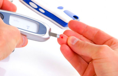 Low Blood Sugar – Symptoms, Causes and Home Remedies   Saloni Health ...