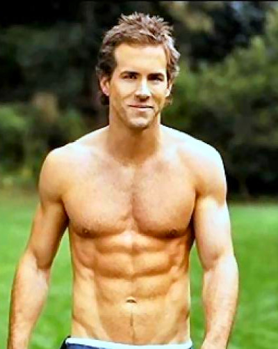 Ryan Reynolds shirtless at 30,000 feet! Actor stripped on ...