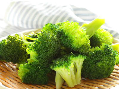The only vegetable you need to be healthy is broccoli ...