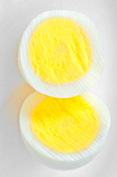 hard boiled eggs from turning brown by adding 2 tablespoons of vinegar ...
