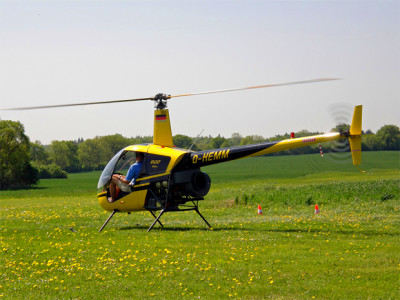 Robinson R22, similar to the one which wrecked. Photo by mwboeckmann