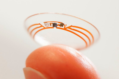 Smart contact lens that lets you 'take photos with your ...