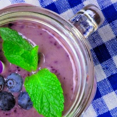 Breakfast Smoothies That Debloat And Flatten Your Belly ...