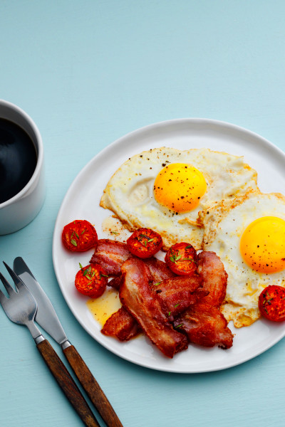 Keto Bacon and Eggs — Classic Breakfast Recipe — Diet Doctor