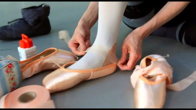 How ballet dancers prepare pointe shoes for performance ...