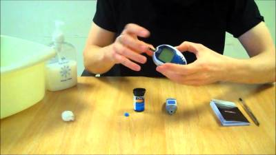 How to test your blood glucose (sugar) levels - YouTube