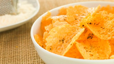 Best Quick Snacks for Diabetics: Chips and Salsa, Fruit, and More | Everyday Health