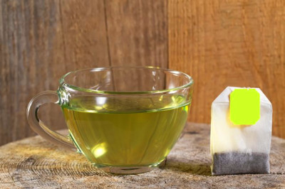 Is It Safe to Drink Lipton Green Tea After the Expiration Date? | Livestrong.com