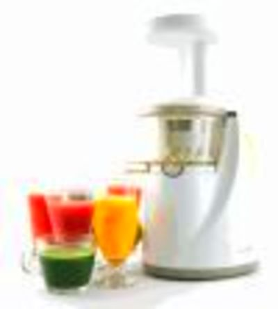 Pros & Cons of Juicing vs. Blending Smoothies – Which Is Better?